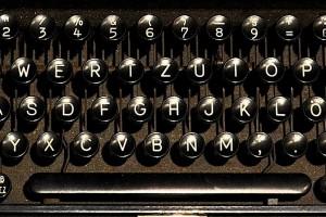 typewriter-1782062_1280 (1)